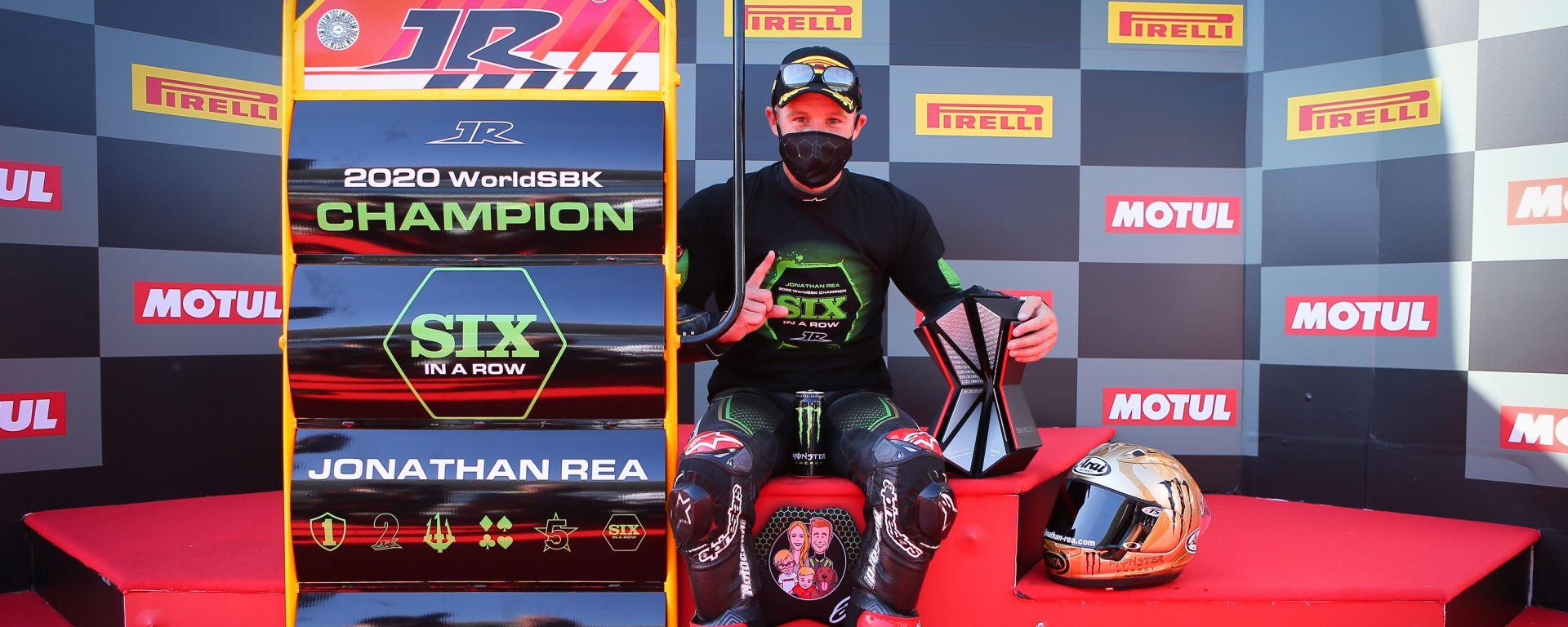 Jonathan Rea festeggia il sesto titolo di campione del mondo all'Estoril