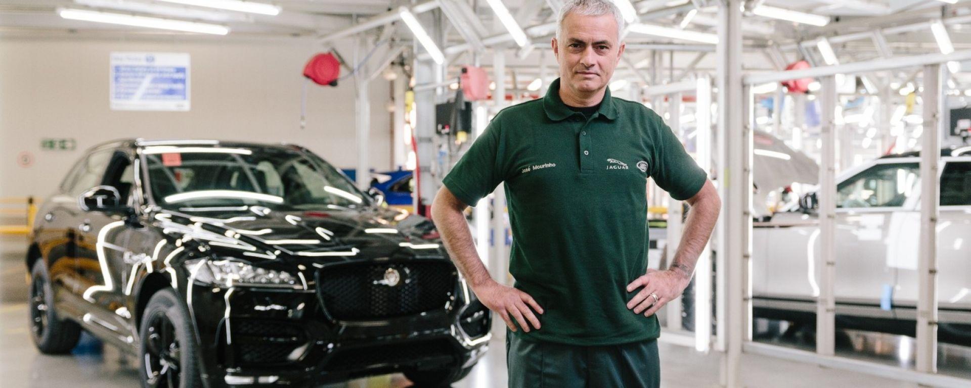 José Mourinho e  la sua Jaguar F-Pace