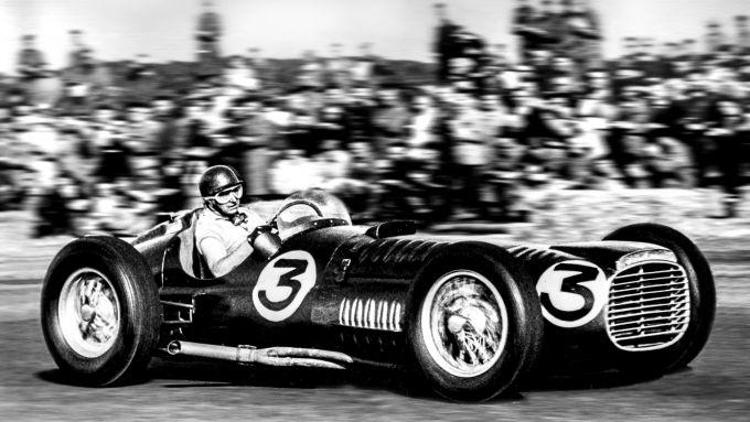 Juan Manuel Fangio su BRM Type 15, GP Silverstone 1951