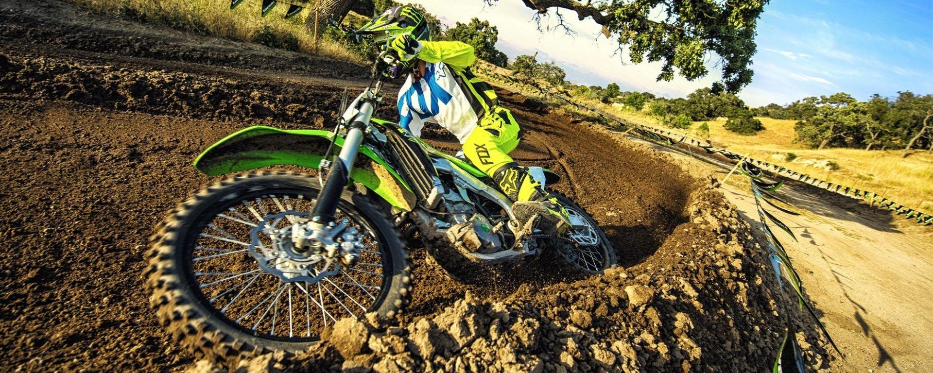 Kawasaki KX250F 2018: la potenza si dosa meglio