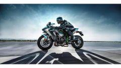 La Kawasaki H2R sfida una Formula 1, un F16 e diverse supercar - Immagine: 1
