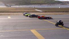 La Kawasaki H2R sfida una Formula 1, un F16 e diverse supercar - Immagine: 3