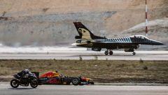 La Kawasaki H2R sfida una Formula 1, un F16 e diverse supercar - Immagine: 4
