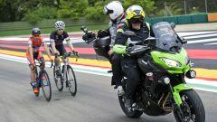 Kawasaki: la Versys 650 è la moto ufficiale del 99° Giro d'Italia 2016 - Immagine: 1