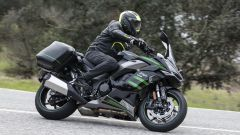 Kawasaki Ninja 1000 SX 2020: gli pneumatici Bridgestone Battlax Hypersport S22 offrono ottimo grip