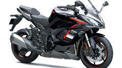 Kawasaki Ninja 1000SX m.y. 2021 nella colorazione rossa e nera