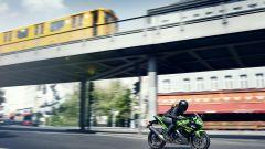 Kawasaki Ninja 125, a EICMA 2018 per studiare da grandi - Immagine: 11