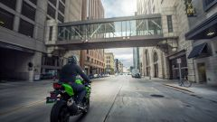 Kawasaki Ninja 400: ecco la moto per il trofeo MotoEstate - Immagine: 11