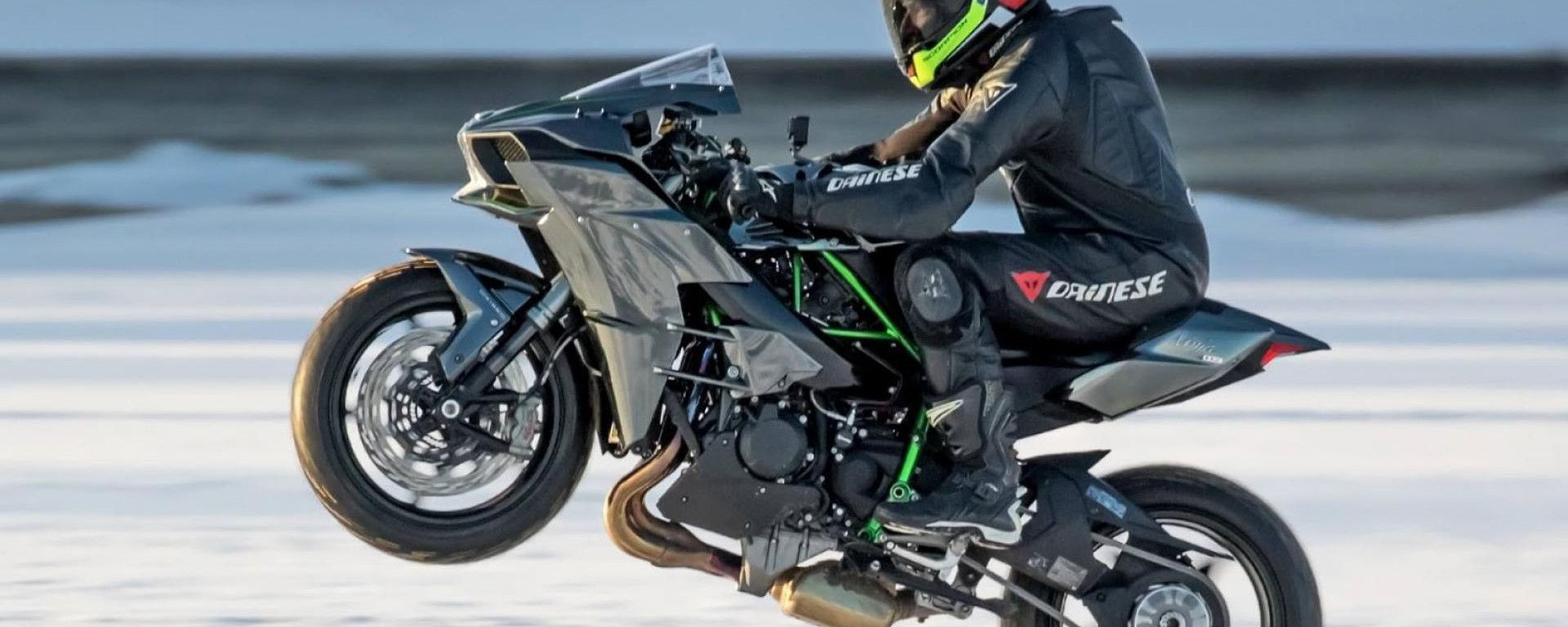 Kawasaki Ninja H2: 231 CV non dovrebbero rendere difficili i monoruota