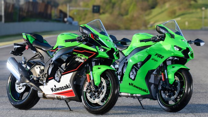 Kawasaki Ninja ZX-10R e ZX-10 RR 2021: uguali, ma diverse
