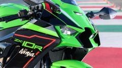 Kawasaki Ninja ZX-10R e ZX-10RR 2021: fari full LED integrati e alette aerodinamiche