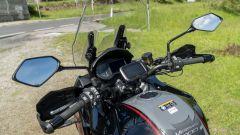 Kawasaki Versys 1000 S Grand Tourer 2021: il cupolino, la strumentazione e il navigatore TomTom