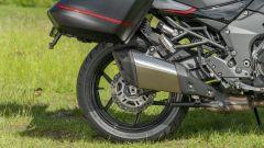 Kawasaki Versys 1000 S Grand Tourer 2021: lo scarico basso