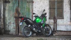 Kawasaki Versys-X 300: vista 3/4 posteriore