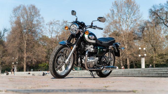 Kawasaki W 800 Classic, 3/4 anteriore