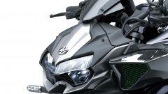 Kawasaki Z H2 2020: dettaglio del frontale con fari a LED