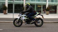 Kawasaki Z125 2019: la prova su strada con la piccola naked  - Immagine: 23
