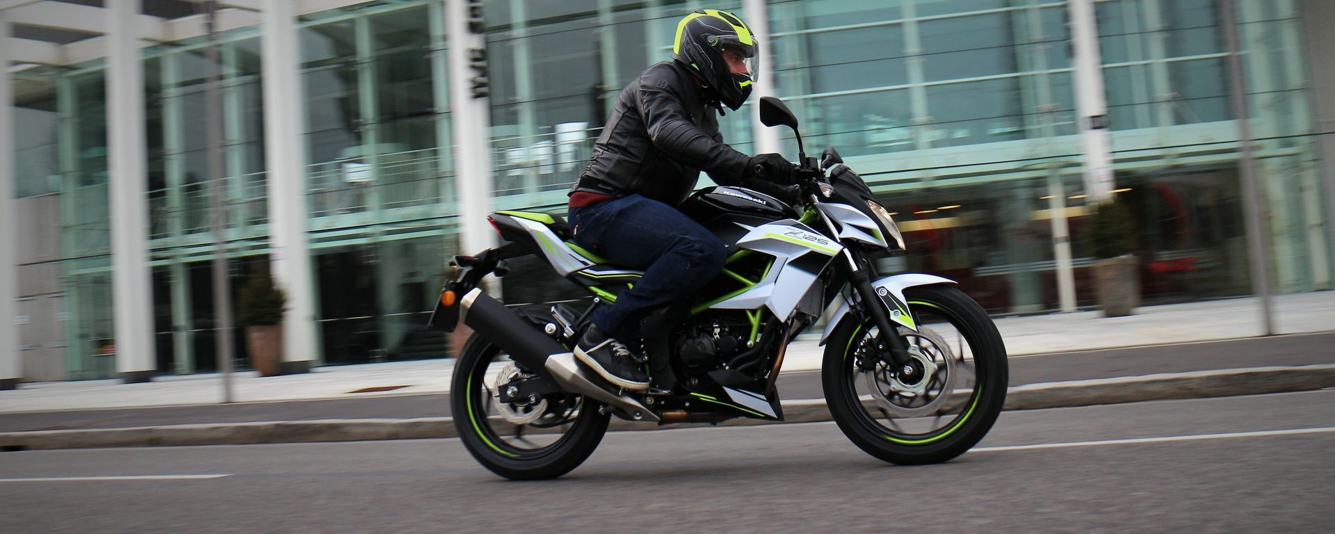 Kawasaki Z125 2019: la prova su strada con la piccola naked