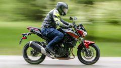 Kawasaki Z400: la nuda che piace ai giovani. Prova su strada - Immagine: 6