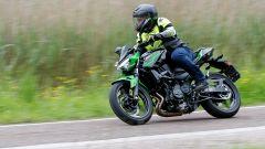 Kawasaki Z400: la nuda che piace ai giovani. Prova su strada - Immagine: 2