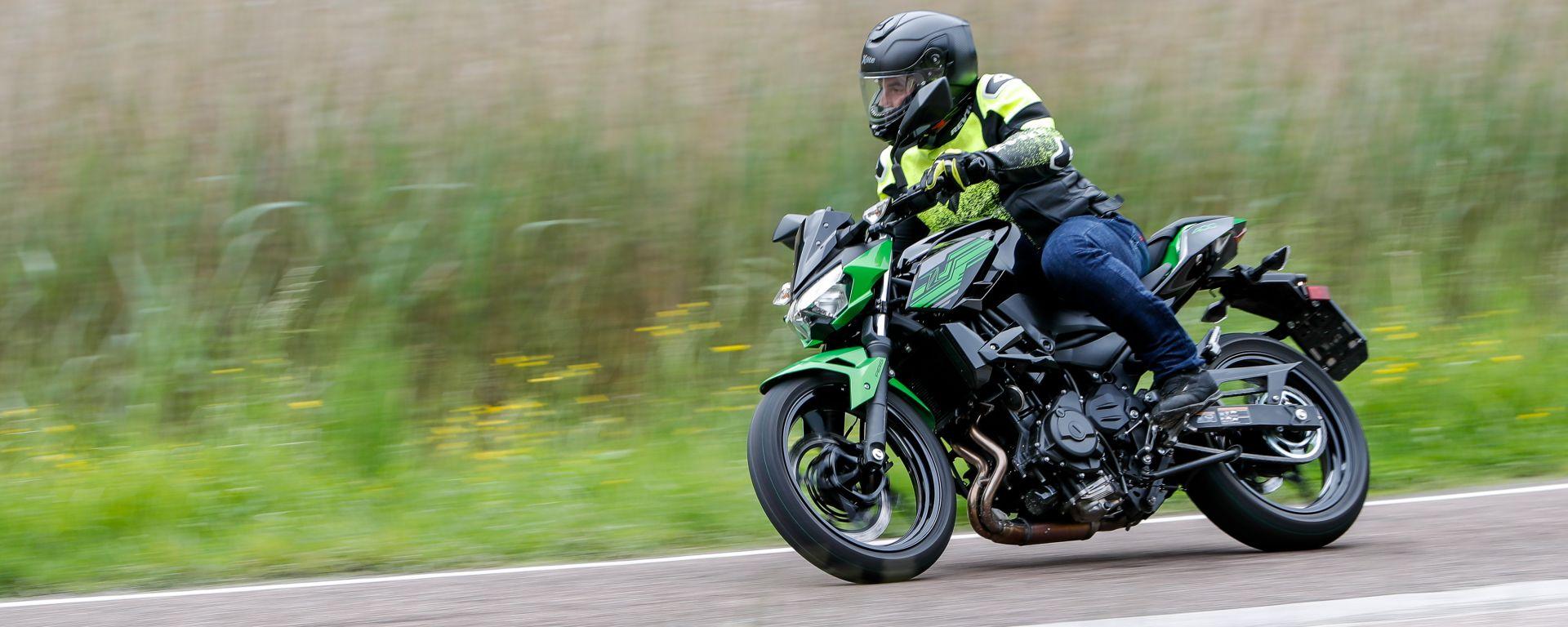 Kawasaki Z400: la nuda che piace ai giovani. Prova su strada