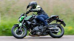 Kawasaki Z400: la nuda che piace ai giovani. Prova su strada - Immagine: 17