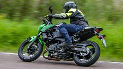 Kawasaki Z400: la nuda che piace ai giovani. Prova su strada - Immagine: 18