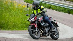Kawasaki Z400: la nuda che piace ai giovani. Prova su strada - Immagine: 10