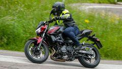 Kawasaki Z400: la nuda che piace ai giovani. Prova su strada - Immagine: 11