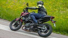 Kawasaki Z400: la nuda che piace ai giovani. Prova su strada - Immagine: 12