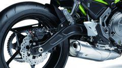 Kawasaki Z650: il forcellone ha il braccio destro ricurvo