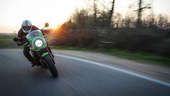 Kawasaki Z900RS CAFE: il cupolino protegge ma non fa miracoli
