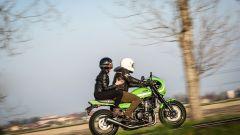Kawasaki Z900RS CAFE: il design della sella quasi da monoposto sacrifica il comfort del passeggero