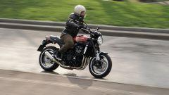 Kawasaki Z900RS: il richiamo stilistico alla leggendaria Z1 del '72 è palese