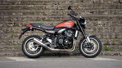 Kawasaki Z900RS: la colorazione arancione è la stessa del '72