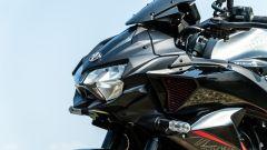 Kawasaki ZH2: il faro anteriore in stile Sugomi