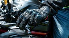 Kawasaki ZH2: Kawasaki ZH2: l'abbigliamento della prova, i guanti Ixon RS Recon Air