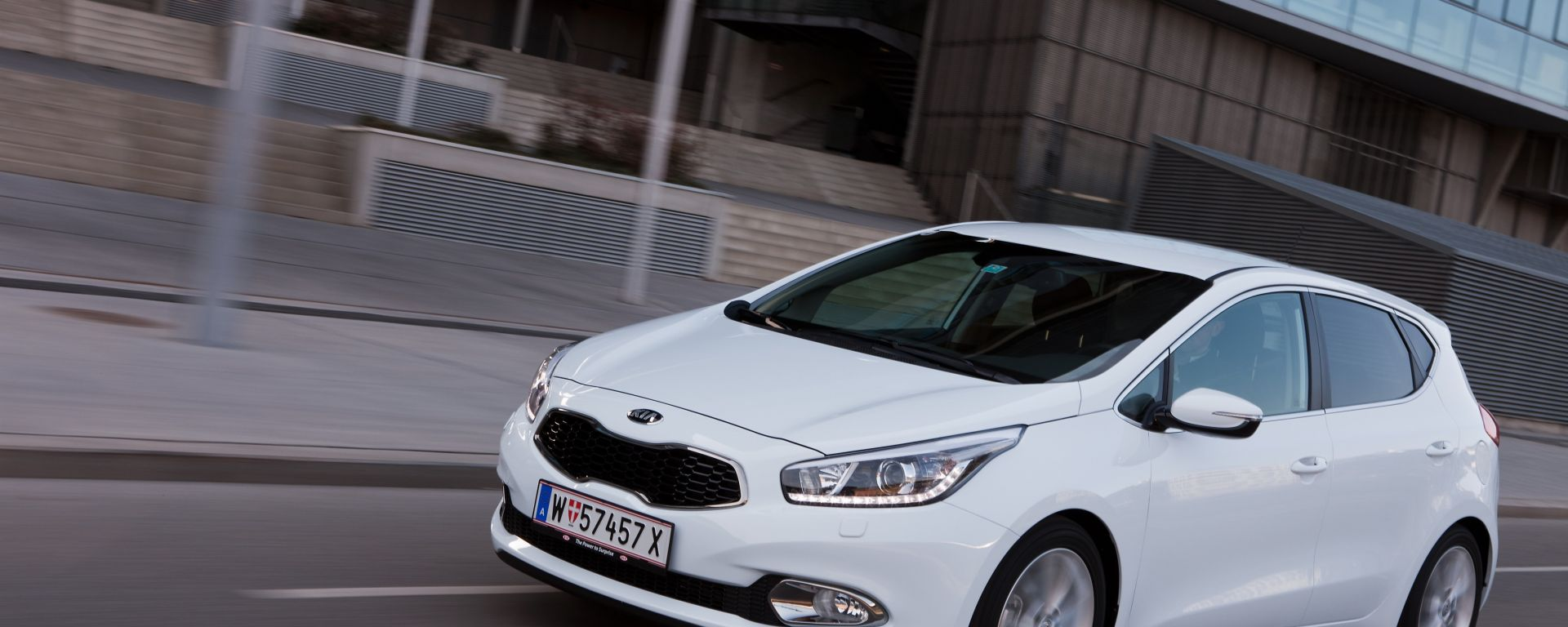 Kia Cee'd 2012, ora anche in video