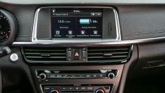 Kia Optima PHEV: lo schermo touch del navigatore misura 8 pollici