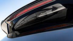 Kia Sorento Hybrid 2021, dettaglio del tergicristallo posteriore