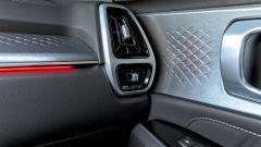 Kia Sorento Hybrid 2021, dettaglio delle luci ambient