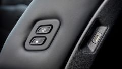 Kia Sorento Hybrid 2021, regolazioni del sedile passeggero a portata del guidatore o di chi siede dietro
