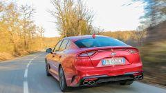 Kia Stinger: parte da 47.500 euro, ma è già full optional - Immagine: 4