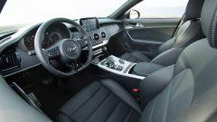 Kia Stinger: parte da 47.500 euro, ma è già full optional - Immagine: 6