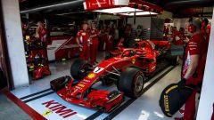 Kimi Raikkonen ai box con la Ferrari