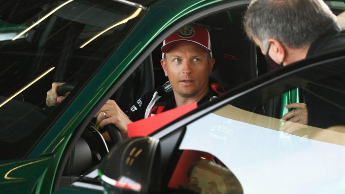 Kimi Raikkonen al volante di Giulia GTAm