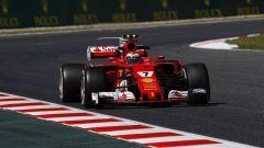 Kimi Raikkonen in azione sulla Ferrari SF70H