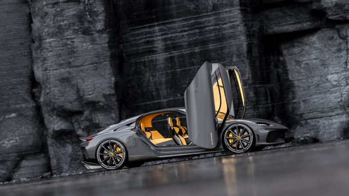 Koenigsegg Gemera: vista laterale