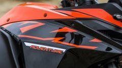 KTM 1090 Adventure: dettaglio del serbatoio