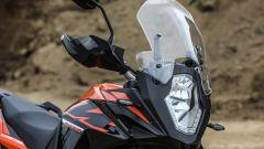 KTM 1090 Adventure: il parabrezza è regolabile